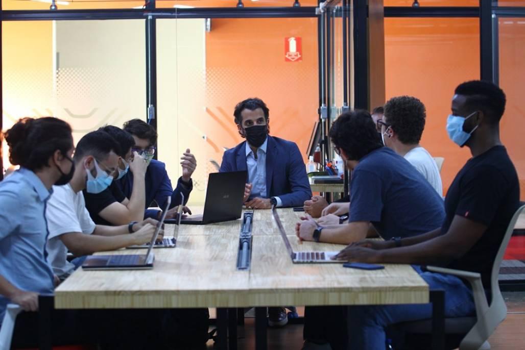 ness1 (Funcionários da Ness Health se reúnem no coworking da Nexus durante visita ao Parque Tecnológico - Foto: Claudio Vieira/PMSJC)