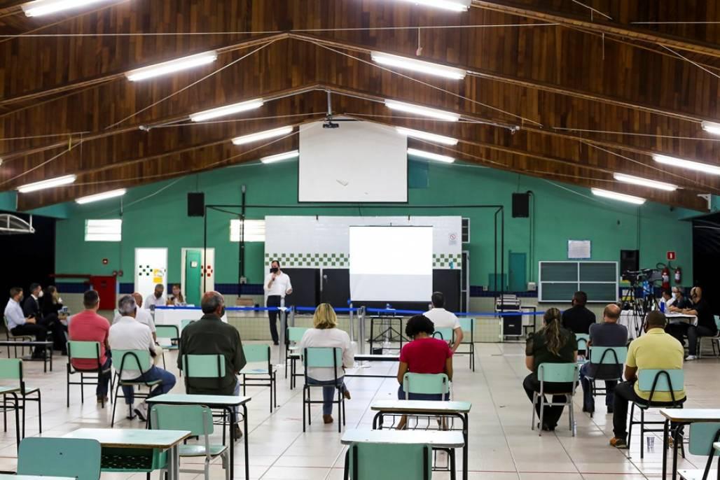 audiencia-1-leste (Audiência pública realizada na Emef Profª Sônia Maria Pereira, localizada, no Novo Horizonte, região leste, encerrou a série de reuniões presenciais na última sexta - Foto: Adenir Britto/PMSJC)